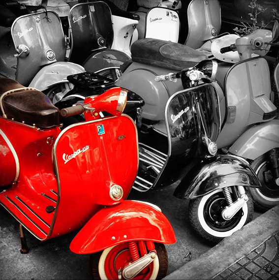 Vespa_red one